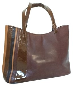 BCBGMAXAZRIA Maxazria Bcbg Leather Tote in Brown
