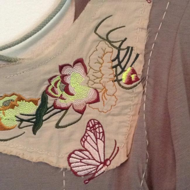 Rose Dimple T Shirt Taupe multi