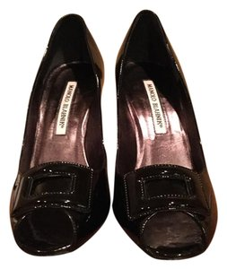 Manolo Blahnik Stilleto Black patent Pumps