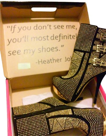 Preload https://item3.tradesy.com/images/shiekh-black-and-gold-bootsbooties-size-us-9-regular-m-b-6565672-0-6.jpg?width=440&height=440
