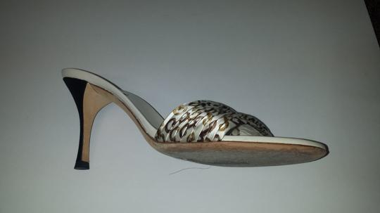 Gucci Slide Satin white with black heel, gold and brown design Sandals