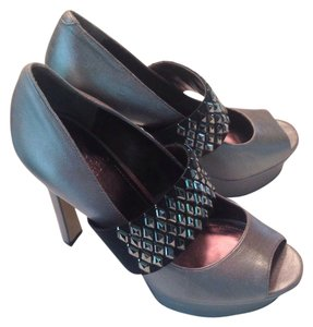 Vince Camuto Rocker Chick Statement Rock N Roll Edgy Night Out Sexy silver Pumps