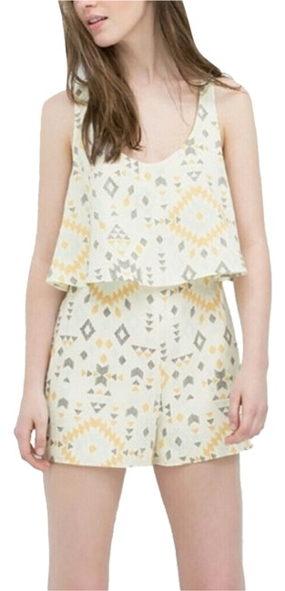 Preload https://item1.tradesy.com/images/zara-yellow-printed-above-knee-romperjumpsuit-size-0-xs-6580330-0-0.jpg?width=400&height=650