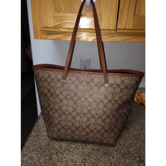 Coach Tote in Canvas