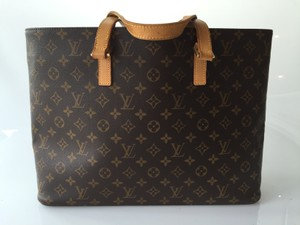 Louis Vuitton Tote in Monogram
