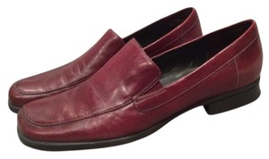 Naturalizer Burgundy Flats