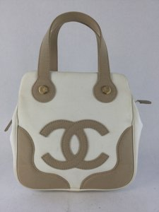 Chanel Tote in White and Beige