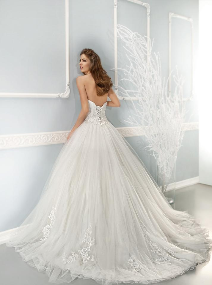 Cosmobella Ivory Tulle - Style 7639 Formal Wedding Dress Size 6 (S ...