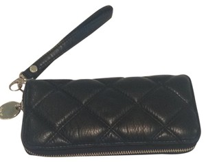 deux lux Wristlet in Black