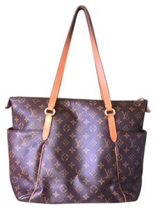 Louis Vuitton Leather M56689 Tote in MONOGRAM
