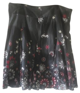 Outfit JPR Plus Plus Size Xl Extra Large Floral Flowers Flowy Flowy Soft Fabric Skirt Grey, white, red