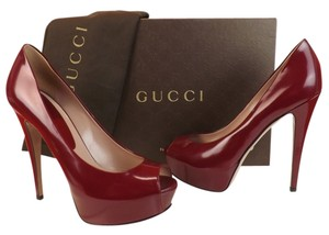 Gucci purple wine Pumps