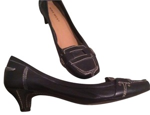 Nine West Leather Stiched Detailing Just Reduced! Black Pumps