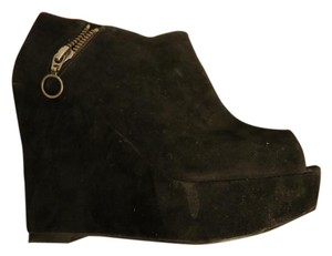 Venti Anni Black Wedges