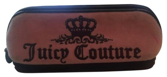 Preload https://item2.tradesy.com/images/juicy-couture-cosmetic-bag-6657991-0-0.jpg?width=440&height=440