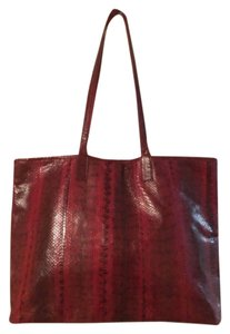 Beirn Tote in Red Black