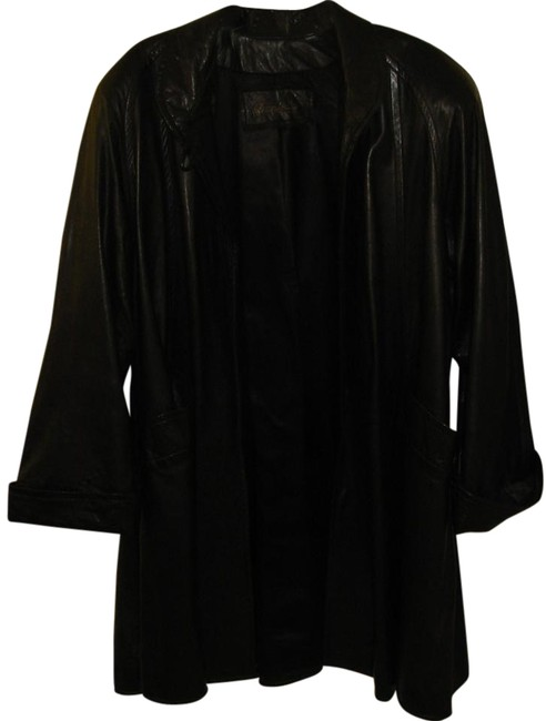 Preload https://item5.tradesy.com/images/black-trench-coat-size-10-m-6658549-0-12.jpg?width=400&height=650