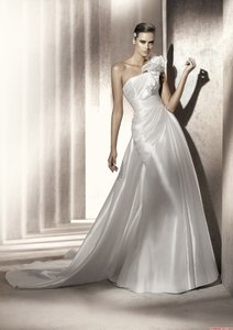 Pronovias Pronovias Wedding Dresses - Style Pagoda Wedding Dress
