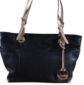 Michael Kors Tote in Black With Camel Straps