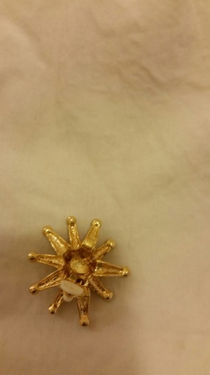 Other GOLD AND SWAROVSKI CRYSTAL CLIP ON EARRING