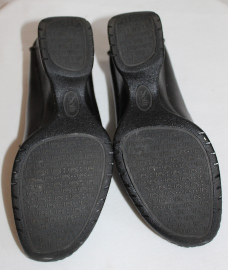 Eürosoft by Söfft Black with Beige Piping Wedges