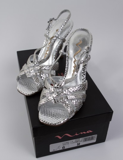 Preload https://img-static.tradesy.com/item/6664381/nina-silver-fiore-white-luster-formal-shoes-size-us-6-regular-m-b-0-3-540-540.jpg