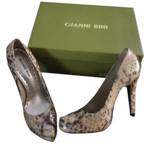 Gianni Bini Party Frosty Taupe Snakeskin Pumps