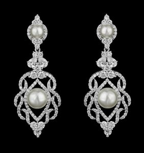 Outstanding Cz And Pearl Bridal Earring