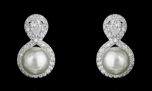 Outstanding Quality Pearl And Pear Shapped Cz Stud Bridal Earrings