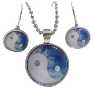 Brand New!! Yin Yang Galaxy Necklace and Earrings Set