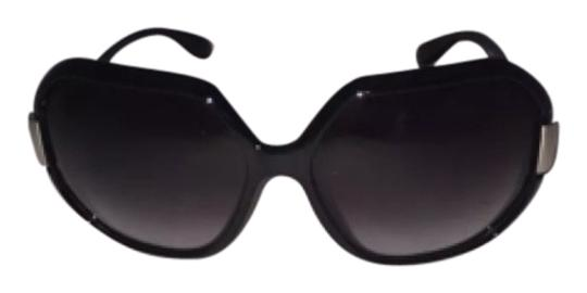 Preload https://img-static.tradesy.com/item/6673942/marc-jacobs-sunglasses-0-1-540-540.jpg