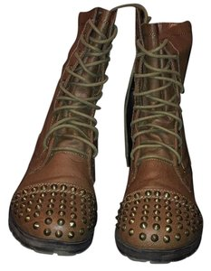 Breckelle's Tan Boots