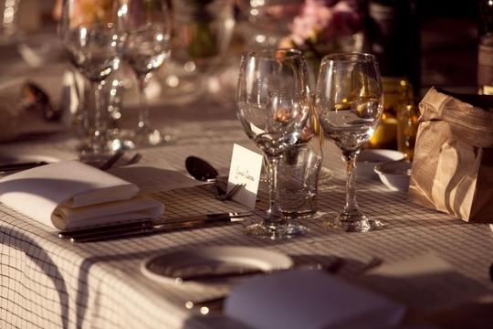18 Linen Ivory Table Cloths With Black Window Pane