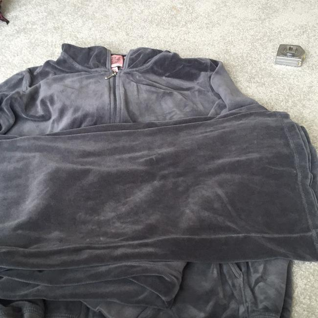 Juicy couture velour outfit! Sweatshirt