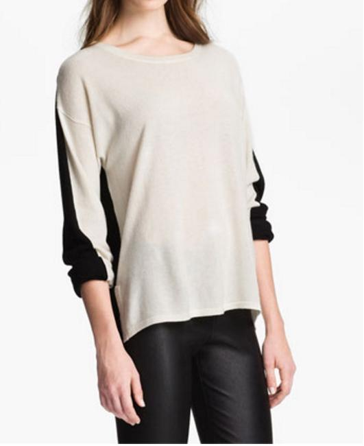 Preload https://item4.tradesy.com/images/vince-black-and-white-cashmere-sweaterpullover-size-0-xs-6719323-0-0.jpg?width=400&height=650