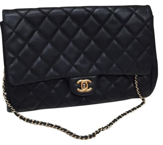 Preload https://img-static.tradesy.com/item/6719422/chanel-classic-jumbo-flap-handbag-black-leather-shoulder-bag-0-0-540-540.jpg