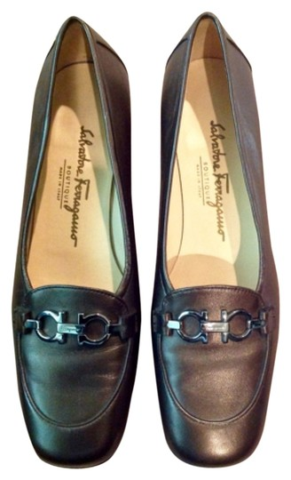 Preload https://img-static.tradesy.com/item/6720004/salvatore-ferragamo-flats-size-us-95-narrow-aa-n-0-1-540-540.jpg