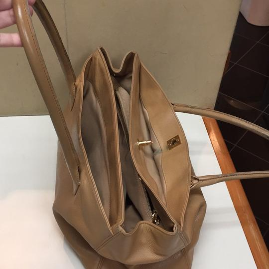 Chanel Executive Leather Cerf Tote in Beige