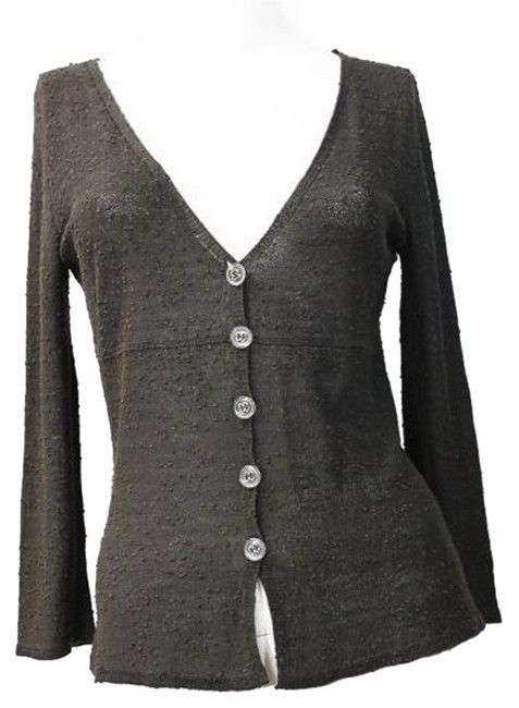 Preload https://item3.tradesy.com/images/v-neckline-buttoned-textured-knit-cardigan-42-blouse-size-10-m-6725167-0-0.jpg?width=400&height=650