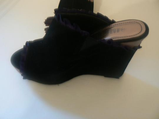 Rouge Black/W Flower 4.5 Inch Heels Ruffle Trimm Black/Beige Platforms