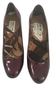 Stuart Weitzman Leather Sole Patent Leather Red/ Burgundy/ Wine Pumps