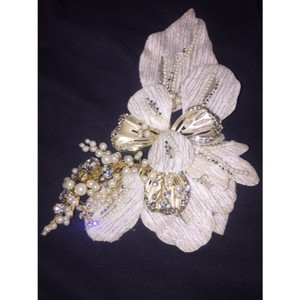 David's Bridal Ivory/Gold/ Pearls Vintage Clip Hair Accessory