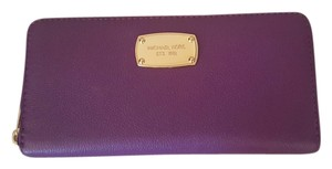 Michael Kors Jet Set Continental Wallet Violet Chic Leather Luxury Travel Organizer Clutch