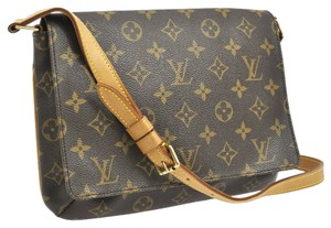 Louis Vuitton Lv Exclusive Designer Monogram Shoulder Bag