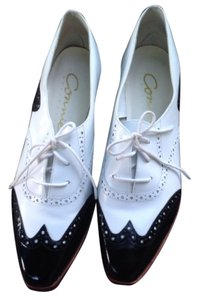 Connie white and black Flats