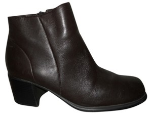 White Mountain Leather dark brown Boots
