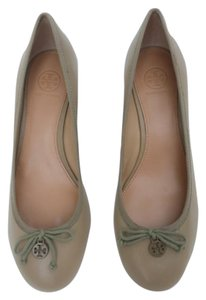 Tory Burch New Leather Wedge tan Wedges