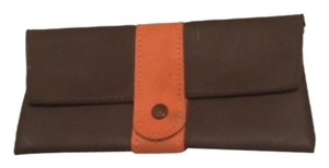 brown/orange Clutch