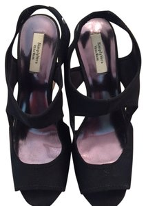 Vera Wang black Wedges