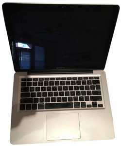 Apple MacBook Pro with OS X - (Excellent Condition)